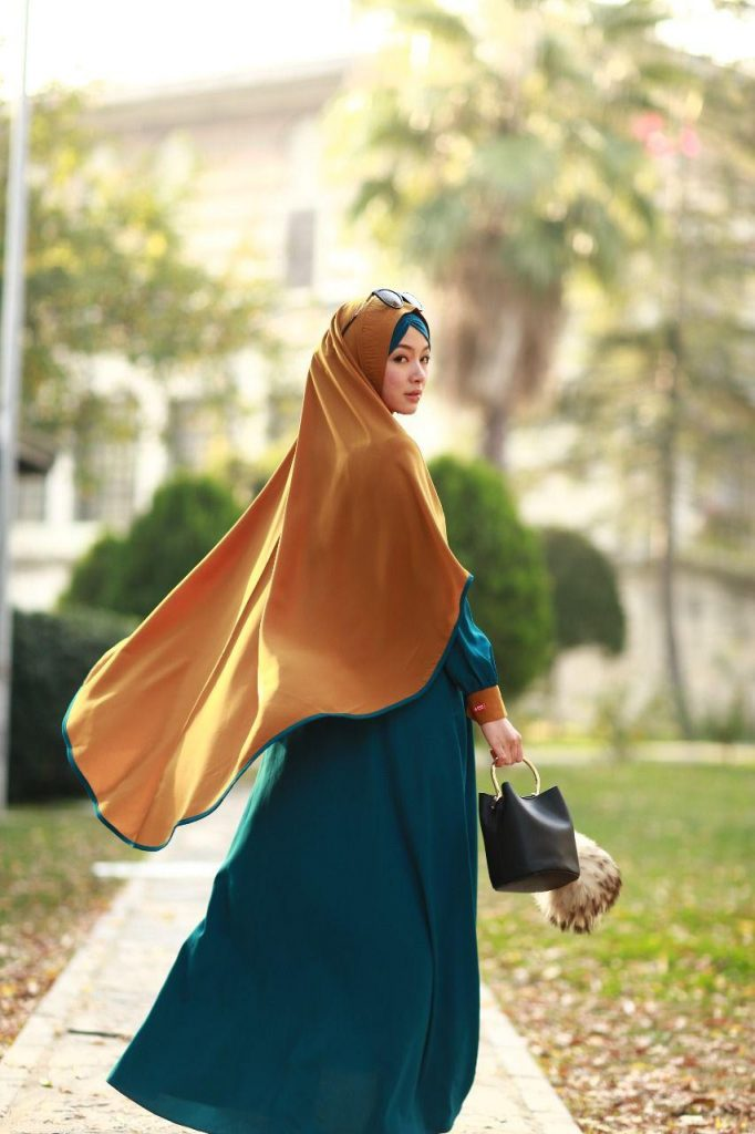 Model gamis simple polos