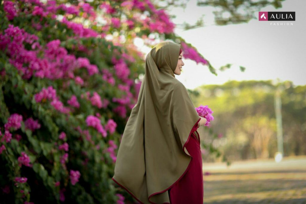 Gamis Set Hijab Simple nan Elegan